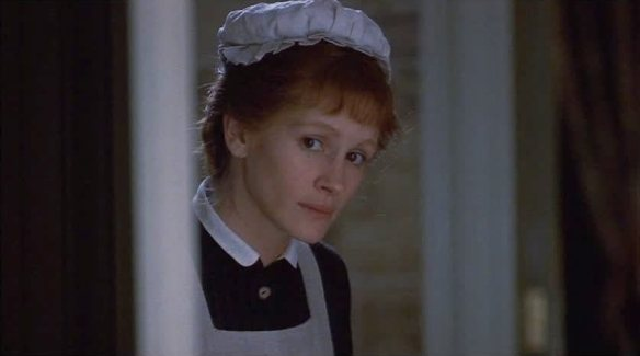 Julia Roberts as Mary Reilly 03.jpg